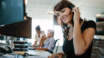 Çalışanlar İçin En İyi Masaüstü Telefon Kulaklığı Hangisidir?