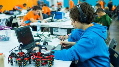 Bilişim Alanında Nitelikli İş Gücü Açığı ve Üretilen Projeler